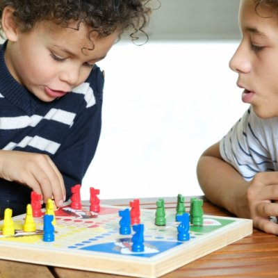 Easy Games to Keep Kids Entertained image